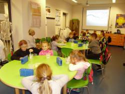 Uczniowie kl. IIb na warsztatach w Podzamczu Chęcińskim